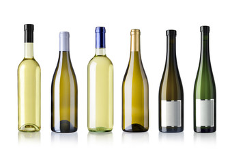 diverse Weissweinflaschen