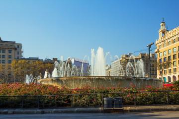 Барселона. Фонтан на площади Каталонии.