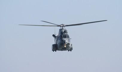 hélicoptère puma de l'armée de l'air française
