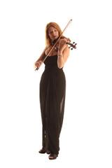 Frau spielt Geige im Abendkleid