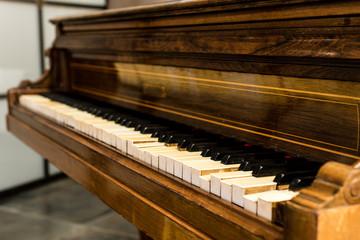 broken vintage piano, details