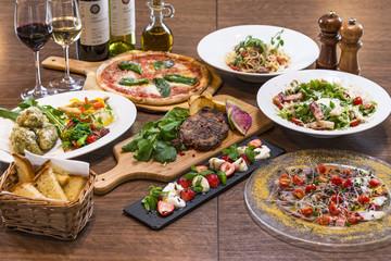 Tuinposter Assortiment イタリアンレストランのコース料理