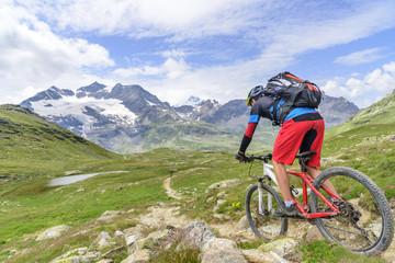 herrlicher Trail zum Mountainbiken im Hochgebirge