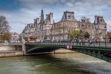 Mairie de Paris vue du pont d'Arcole