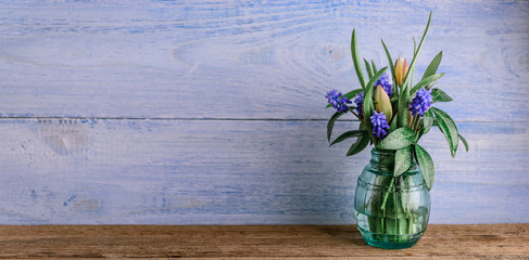 Vase with spring flowers