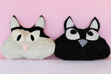 gatti,cuscino