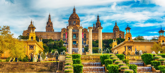 Photo sur Aluminium Barcelone Aerial top view of Barcelona, Catalonia, Spain in the spring. The Palau National, National Palace, National Art Museum of Catalonia