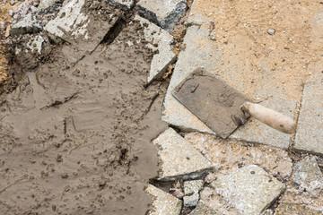 verlegen von Steinen Bruchsteinweg Baustelle