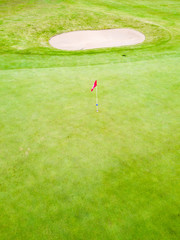 Golfplatz Loch mit Fahne