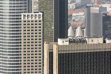 Ausblick auf die Stadt mit Hochhäuser