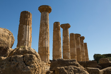 Aluminium Prints Ruins ruins of the ancient Greek temple of Heracles in the Valley of the Temples, Agrigento, Sicily