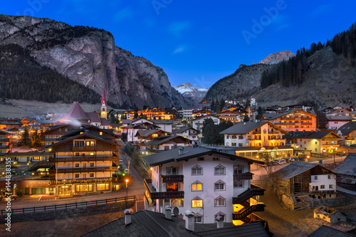 Fotomurales Selva Val Gardena in the Evening, Val Gardena, Dolomites, Italy