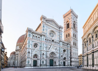 Door stickers Monument Florence Cathedral Santa Maria del Fiore sunrise view, Tuscany, Italy