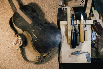 making violin, musical instrument restoration, vintage instruments