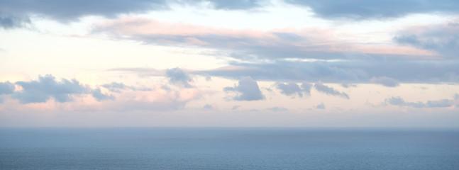 cloud sky horizon over ocean background