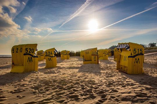 Gelbe Strandkörbe in Duhnen