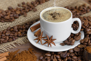 Foto op Canvas koffiebar Cup of coffee and coffee beans