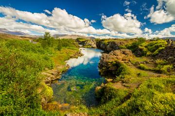 Kristallklares Wasser im Nationalpark Thingvellir
