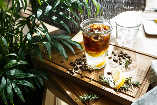 Coffee cocktail with lemon and tonic