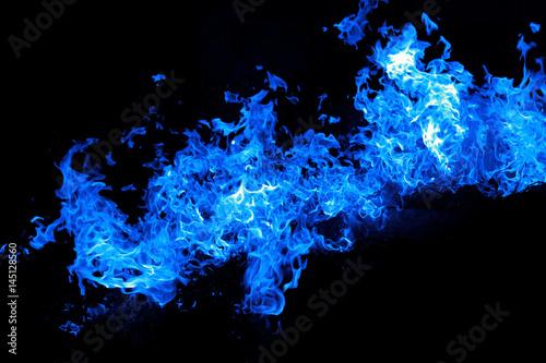 Fuoco Fiamme Blu Isolato Su Sfondo Nero Stock Photo And Royalty