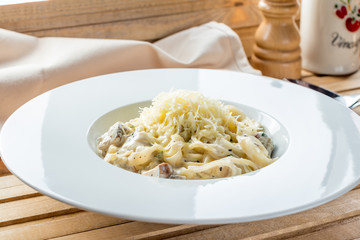 pasta with mushrooms and parmesan