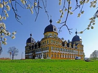 Schloss Seehof, Frühling