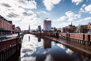 Speicherstadt Hamburg, Spiegelung der Wolken im Wasser