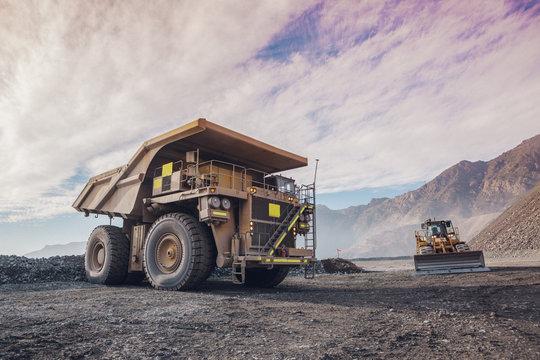 Coppermine Dumptruck. Mining