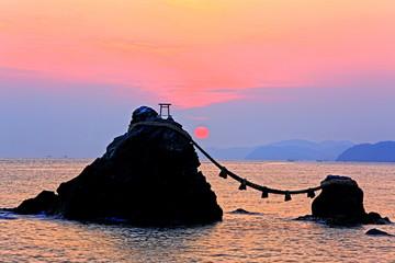 夫婦岩の朝