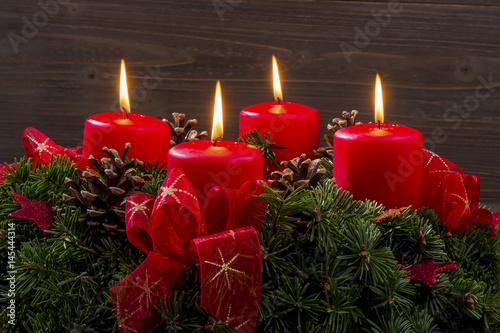 adventkranz zu weihnachten stockfotos und lizenzfreie. Black Bedroom Furniture Sets. Home Design Ideas