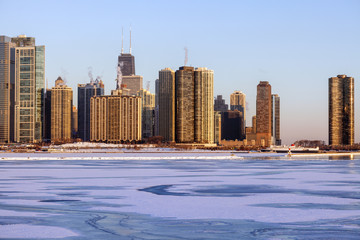 Fotomurales - Winter in Chicago - skyline at sunrise