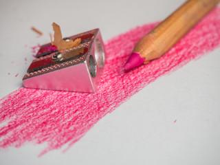 Rosa Stift mit Spitzer