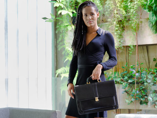 Mulher trans negra executiva