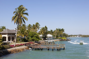 Waterfront houses in Naples, Florida