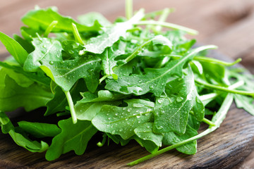 Photo sur Toile Condiment Fresh arugula leaves, rucola