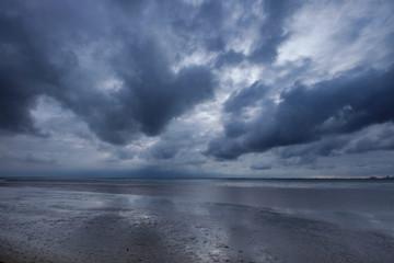 Fototapeta Wattenmeer vor einem Gewitter