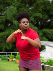 Mulher negra lutando