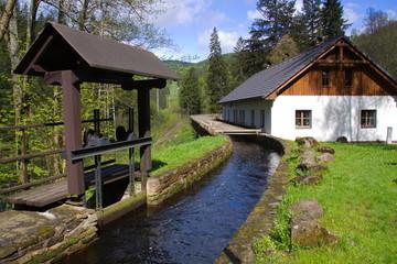 Cenkova Pila am Fluss Vydra im Böhmerwald in Tschechien