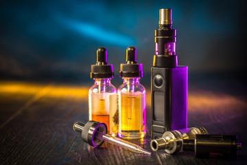 Cool girl atomizers. Electronic cigaretts Device box mod to smokeless smoking
