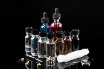 Electronic cigarette juices with DIY tools