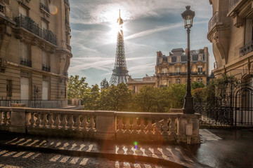 Fototapete - Romantic street view with Eiffel Tower in Paris, France