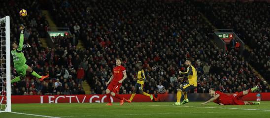Arsenal's Olivier Giroud shoots at goal