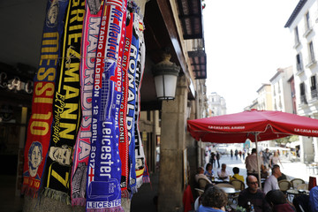 General view in the Plaza Mayor before the match