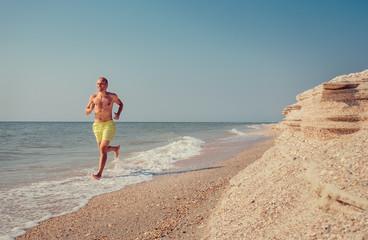 Man jogging o the seaside