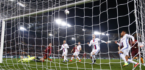 Roma's Kevin Strootman scores their first goal