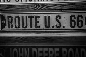 Old Route U.S. 66 Signage