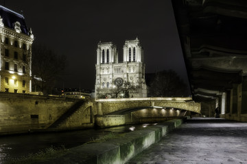 Front view of Notre Dame de Paris, France