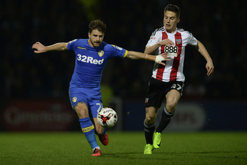 Leeds United's Gaetano Berardi in action with Brentford's Sergi Canos