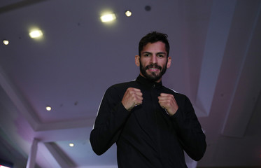 Jorge Linares poses during the Public Work-Out