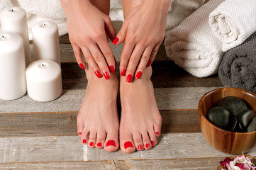 Fotorolgordijn Pedicure Female feet in spa salon, pedicure procedure
